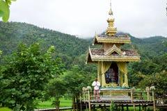 Bamboebrug in Pai, noordelijk Thailand stock foto