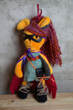 Bambola fatta a mano e giocattolo dei vestiti Fotografia Stock