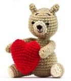Bambola sola dell'orso con cuore fotografia stock libera da diritti
