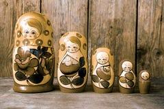 Bambole di matryoshkas o di Babushkas Fotografie Stock Libere da Diritti
