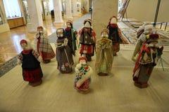 Bambole fatte a mano in costumi nazionali Fotografia Stock
