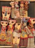 Bambole fatte a mano tradizionali da vendere immagini stock