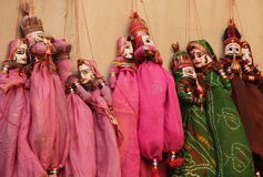 Bambole fatte a mano vendute sotto il nome di ricordo fotografie stock libere da diritti