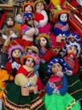 Bambole Handmade in un servizio sudamericano del mestiere Fotografie Stock Libere da Diritti