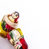 Bambole russe Matryoshka isolato su un fondo bianco Fotografia Stock Libera da Diritti
