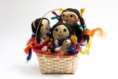 Bambole in un cestino Fotografie Stock Libere da Diritti