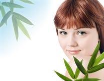 bamboo красивейшие детеныши женщины завода Стоковые Фотографии RF
