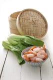 Bamboo распаровщик, bok choy и креветки Стоковые Изображения