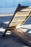 Bamboo стул на пляже Стоковое Фото