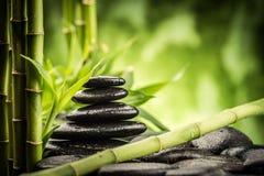 bamboo stones zen arkivbilder