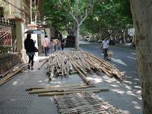 Bambous pour l'échafaudage à Changhaï photographie stock libre de droits