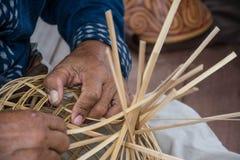 Bambu för vävmodellhand, väva för bambu Royaltyfri Fotografi