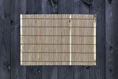 Bambu som är matt på trätabellen, bästa sikt royaltyfri fotografi