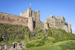 Bamburgh城堡诺森伯兰角海岸 免版税库存照片