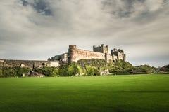Bamburgh kasztel w Northumberland, zlany królestwo fotografia stock