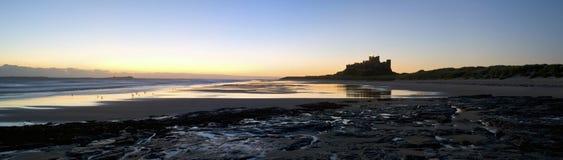 bamburgh panoramiczny grodowy Zdjęcia Royalty Free