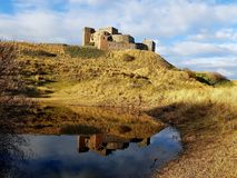 Bamburgh slott royaltyfri bild