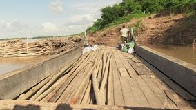 Bambus, Boot, der Mekong, Kambodscha, Südostasien stock footage