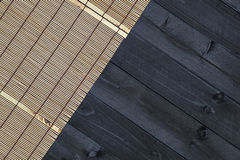 Bambus mata na drewnianym stole, odgórny widok obrazy royalty free