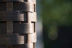 Bambus setzt Öllampe im Sonnenlicht in Brand stockbilder