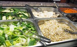 Bambus- und Sojabohnenölsprösslinge schlagen im chinesischen Restaurant Stockbild