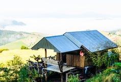 BAMBUSA dom NA górze Zdjęcie Royalty Free