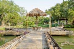 Bambusa gazebo i most Obrazy Stock