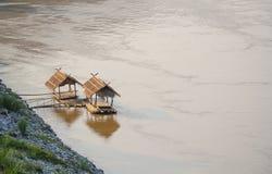 Bambusfloss im Mekong Lizenzfreie Stockfotografie
