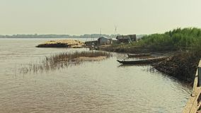Bambusfloss, Stock, der Mekong, Kambodscha, Südostasien stock footage