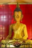 Bambusowa Buddha statua w Taung Pauk Kyaung monasterze w Mawlamyine, Myanmar Zdjęcia Stock