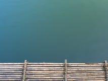 Bambusowa tratwa na rzece Obrazy Stock
