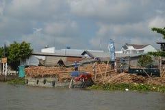 Bambusowy rusztowanie Wietnam, Mekong delty Mekong rzeczni przemysły - obrazy royalty free
