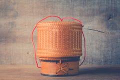 Bambusowy zbiornik dla trzymać gotujących glutinous ryż Obraz Royalty Free