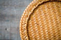 Bambusowy zbiornik dla trzymać gotujących glutinous ryż Zdjęcia Royalty Free