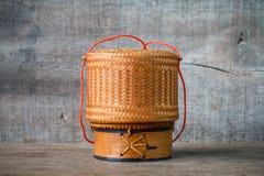 Bambusowy zbiornik dla trzymać gotujących glutinous ryż Fotografia Stock