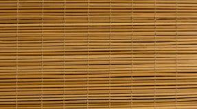 Bambusstöcke breiteten in Folge aus und verbanden sich untereinander Stockfotografie