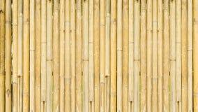 Bambustaket och bambutegelplattor royaltyfri fotografi
