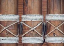 Bambuswandhintergrund und -beschaffenheit Stockfotos