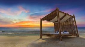 Bambuszelt auf dem Strand Stockbilder