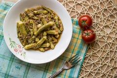 Bamya/essbarer Eibisch/türkisches traditionelles Lebensmittel mit Hackfleisch Lizenzfreies Stockfoto