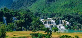 Ban Gioc / Detian Water Falls. Ban Gioc is the most beautiful one in VietNam. It is also the natural border between Vietnam and China. Haft of this biggest part Royalty Free Stock Images