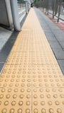 Bana för blinda gångare Fotografering för Bildbyråer