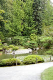 Bana till en härlig trädgård Arkivbilder