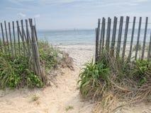 Bana till stranden i Cape Cod Arkivbild