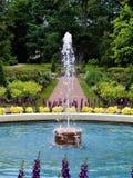 Bana utöver springbrunnen arkivbilder