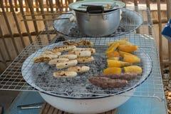 Banaan en aardappel Royalty-vrije Stock Foto's