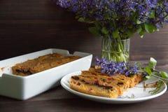 Banaan en wortelmuffin stock fotografie