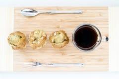 Banaancake met een kopkoffie Stock Afbeeldingen