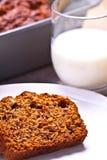 Banaancake met verse banaan en sinaasappel. naar huis gemaakte cake. royalty-vrije stock foto