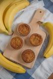 Banaanmuffins Stock Afbeeldingen